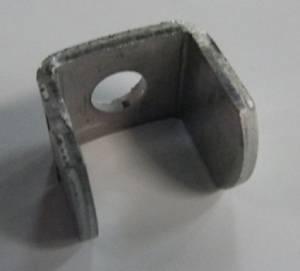 "<a href=""https://www.signel.ca/product/espaceur-pour-poteau-en-u/"">Espaceur pour poteau en U</a>"