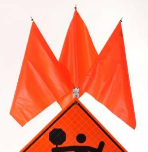 """<a href=""""https://www.signel.ca/product/kit-de-3-drapeaux-pour-poteau-systeme-balismart/"""">Kit de 3 drapeaux pour poteau Système Balismart</a>"""