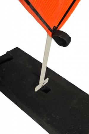 "<a href=""https://www.signel.ca/product/poteau-flexible-plat-systeme-balismart/"">Poteau flexible plat -Système BALISMART</a>"