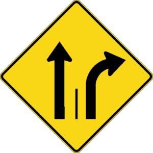 """<a href=""""https://www.signel.ca/product/signal-avance-de-direction-des-voies-tout-droit-ou-a-droite/"""">Signal avancé de direction des voies tout droit ou à droite</a>"""