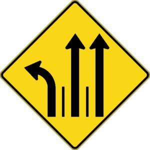 """<a href=""""https://www.signel.ca/product/signal-avance-de-direction-des-voies-a-gauche-et-tout-droit-2-voies/"""">Signal avancé de direction des voies à gauche et tout droit 2 voies</a>"""