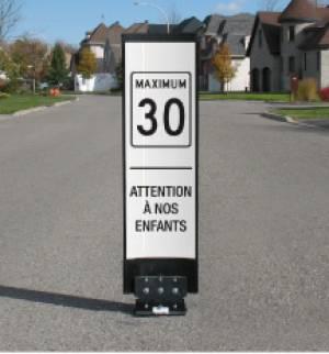 """<a href=""""https://www.signel.ca/en/product/balise-bollard-reduction-de-vitesse/"""">Balise ou bollard pour réduction de vitesse</a>"""